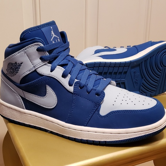 Nike Shoes   Air Jordan Retro Mid Team